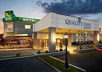 Hotel - Quality Inn & Suites Brossard