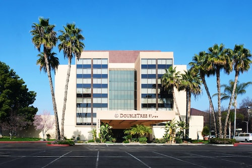 . DoubleTree by Hilton Fresno Convention Center