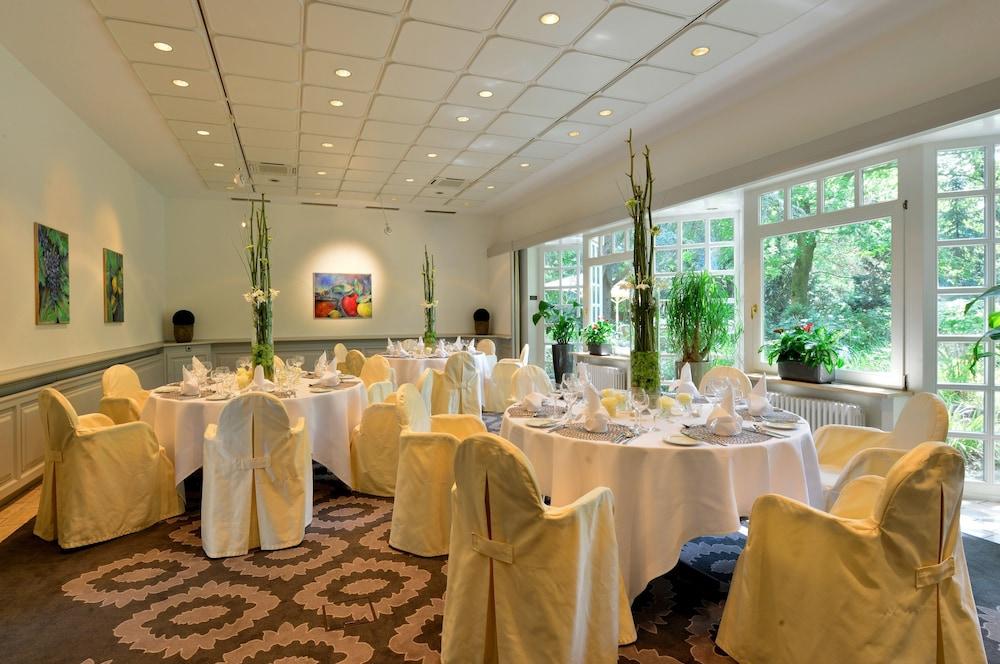 베스트 웨스턴 호텔 데어 포흐렌호프(Best Western Hotel Der Foehrenhof) Hotel Image 39 - Indoor Wedding