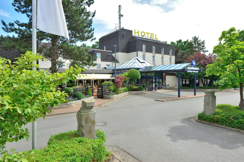 베스트 웨스턴 호텔 데어 포흐렌호프(Best Western Hotel Der Foehrenhof) Hotel Image 55 - Hotel Front