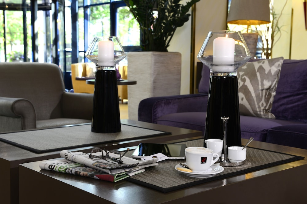 베스트 웨스턴 호텔 데어 포흐렌호프(Best Western Hotel Der Foehrenhof) Hotel Image 3 - Lobby Sitting Area