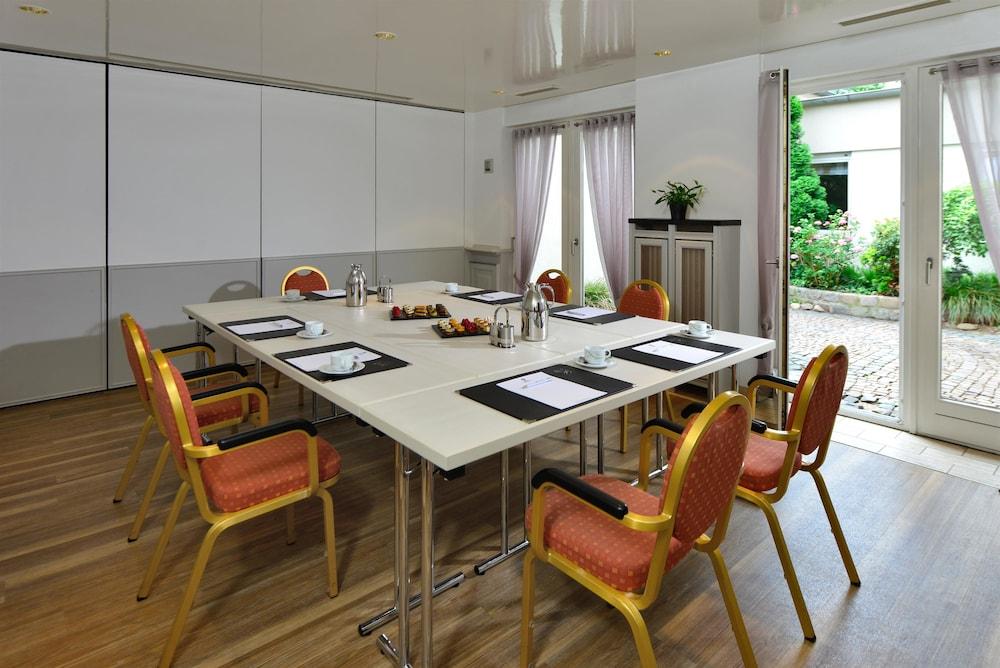 베스트 웨스턴 호텔 데어 포흐렌호프(Best Western Hotel Der Foehrenhof) Hotel Image 45 - Meeting Facility