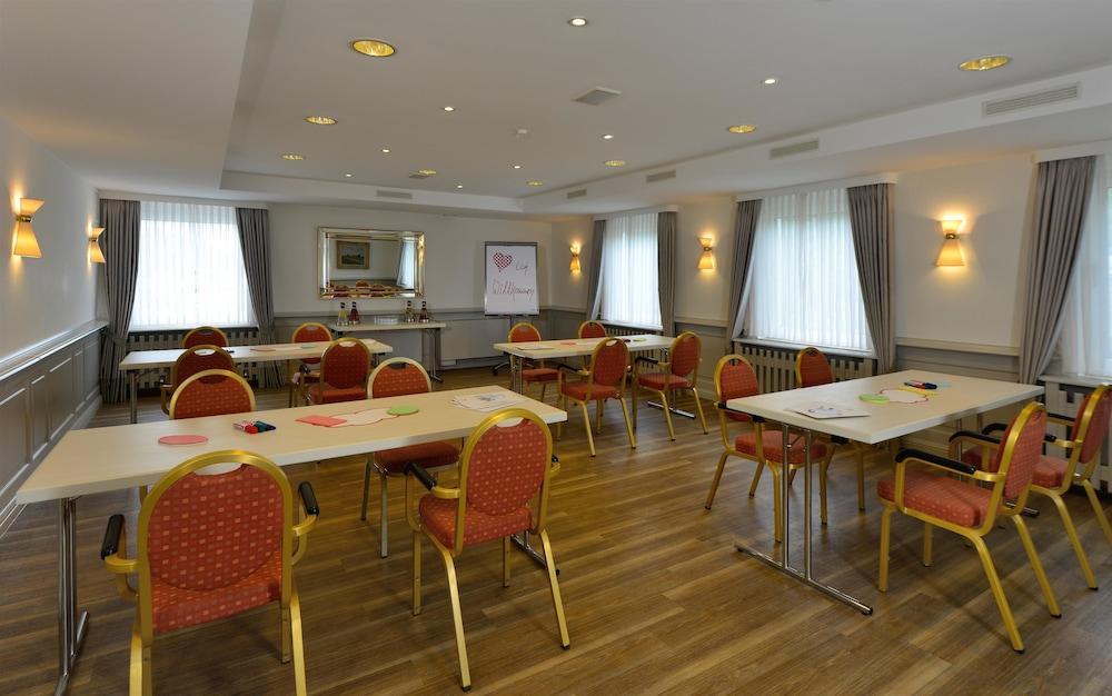 베스트 웨스턴 호텔 데어 포흐렌호프(Best Western Hotel Der Foehrenhof) Hotel Image 50 - Meeting Facility