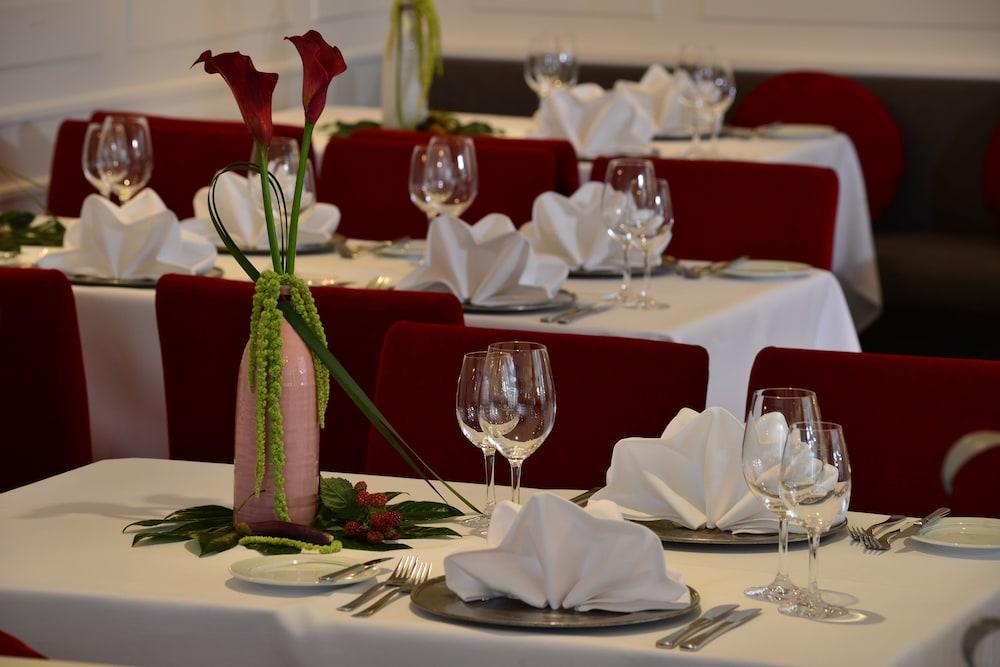 베스트 웨스턴 호텔 데어 포흐렌호프(Best Western Hotel Der Foehrenhof) Hotel Image 19 - Restaurant