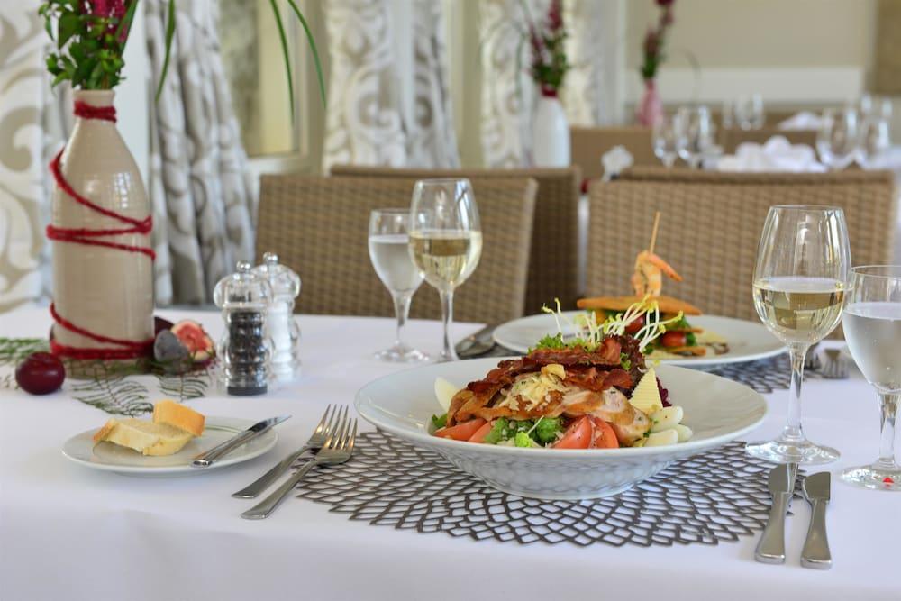 베스트 웨스턴 호텔 데어 포흐렌호프(Best Western Hotel Der Foehrenhof) Hotel Image 27 - Restaurant