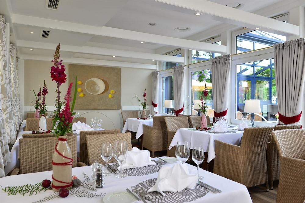 베스트 웨스턴 호텔 데어 포흐렌호프(Best Western Hotel Der Foehrenhof) Hotel Image 28 - Restaurant