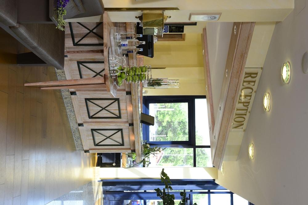 베스트 웨스턴 호텔 데어 포흐렌호프(Best Western Hotel Der Foehrenhof) Hotel Image 6 - Reception