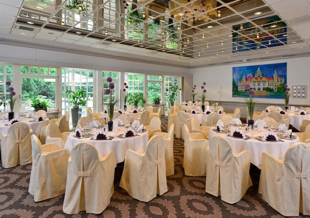 베스트 웨스턴 호텔 데어 포흐렌호프(Best Western Hotel Der Foehrenhof) Hotel Image 36 - Ballroom