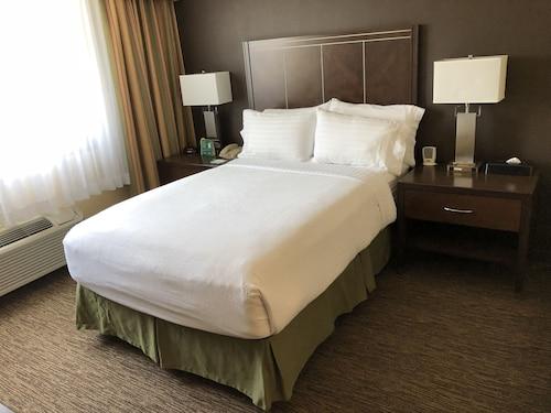 Holiday Inn Hotel & Suites Anaheim, Orange