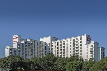 Hotel - Sheraton Suites Market Center Dallas