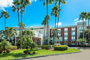 Hotel - Holiday Inn Express Doral