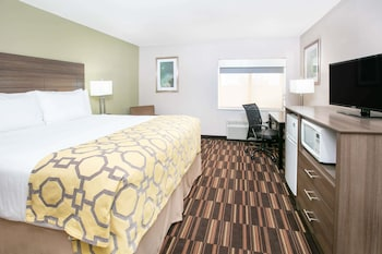 Room, 1 King Bed, Accessible, Non Smoking (Mobility,Tub w/Grab Bars)