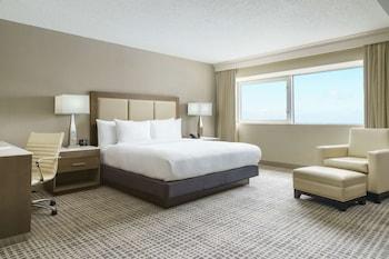 Junior Suite, 1 King Bed, Non Smoking, Balcony (interior)