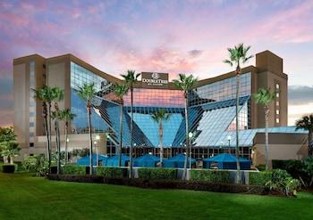 奧蘭多機場皇冠假日飯店 DoubleTree by Hilton Orlando Airport