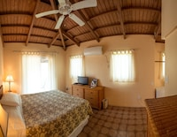Superior Room, 1 Queen Bed, Private Bathroom, Harbor View
