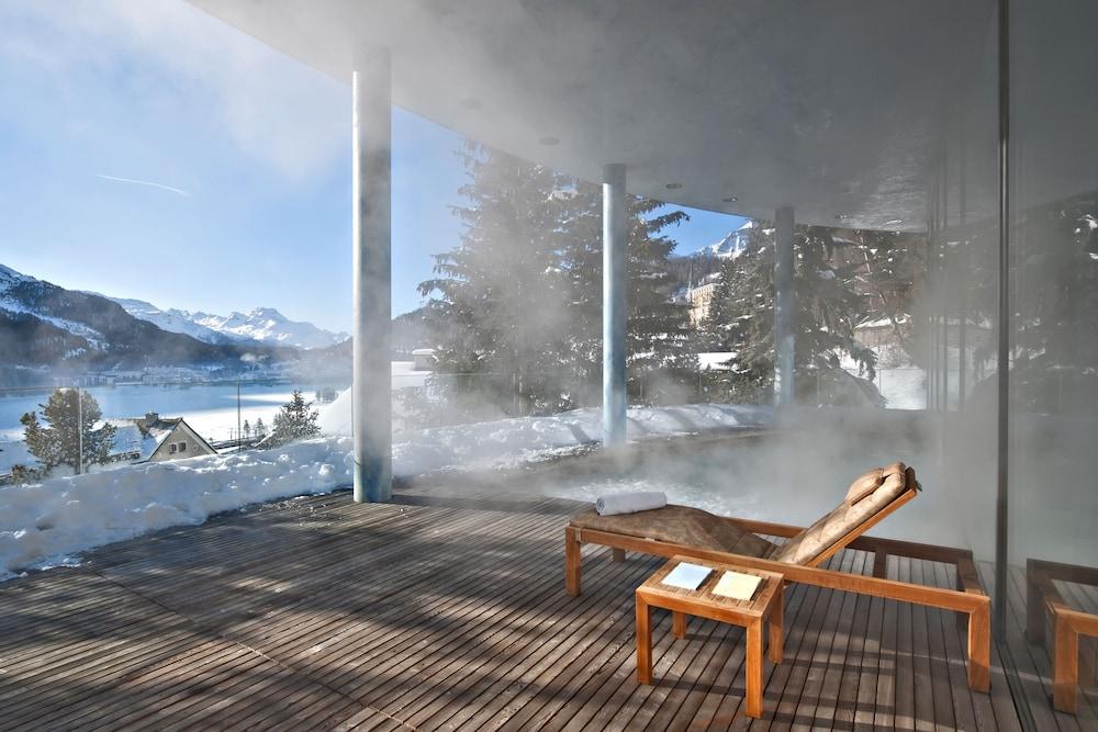 칼튼 호텔 생 모리츠(Carlton Hotel St Moritz) Hotel Image 40 - Outdoor Pool