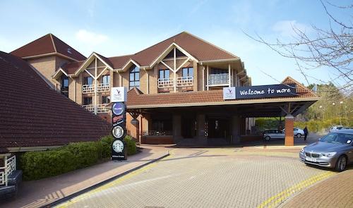 . Village Hotel Swindon