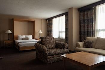 Suite (1 Murphy Bed, 1 Room)