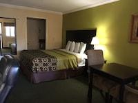 Suite, 1 Queen Bed, Smoking