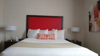 Suite, 1 Queen Bed with Sofa bed, Non Smoking, Microwave (with Sofabed)