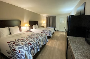 Deluxe Room, 2 Double Beds, Accessible (Roll-In Shower, Smoke Free)