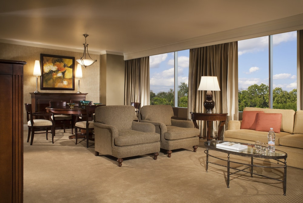 Omni Houston Hotel At Westside Deluxe King Room