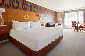 Junior Suite, 1 King Bed (Water View)
