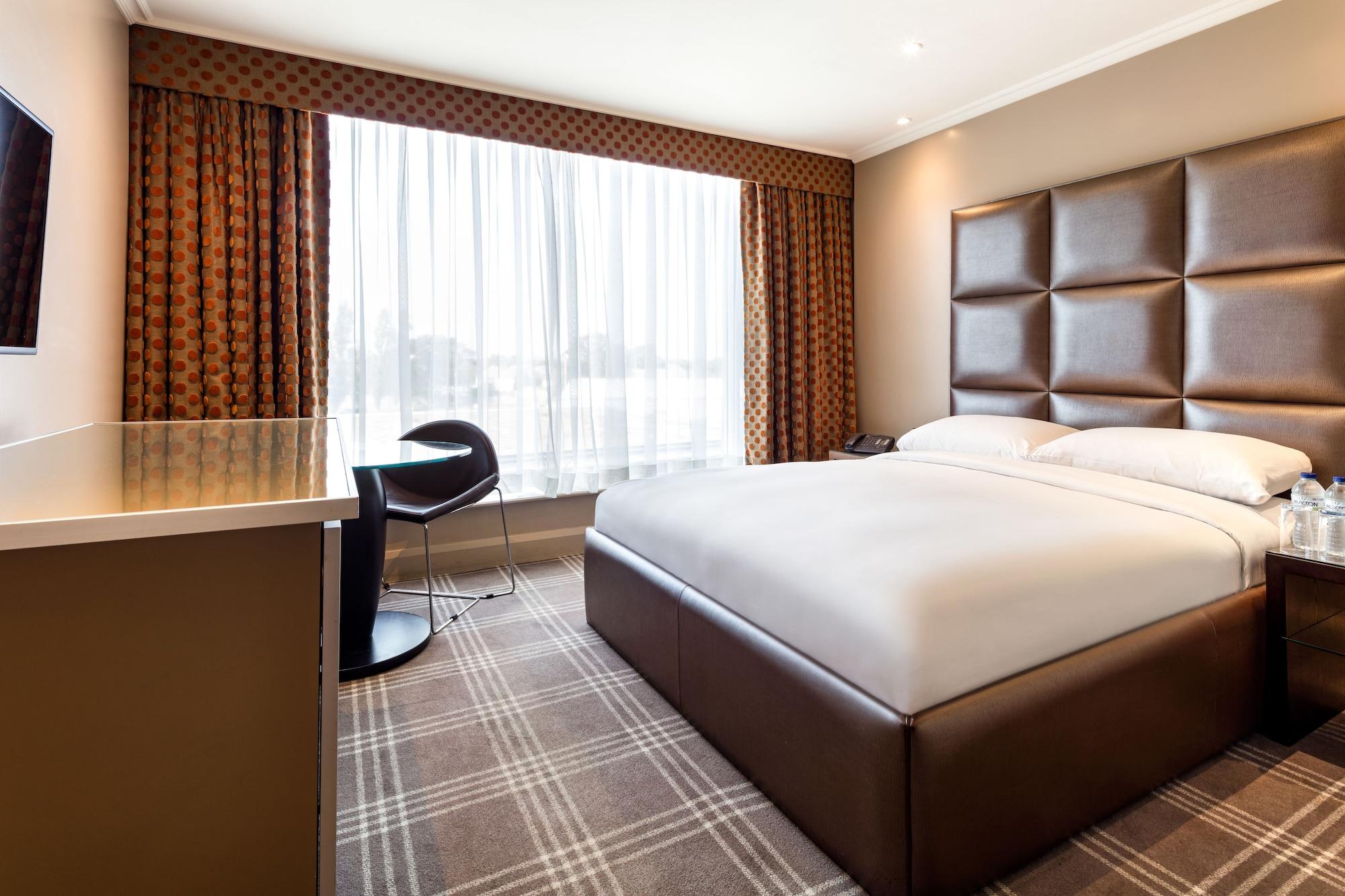 Radisson Blu Edwardian Heathrow Hotel, London