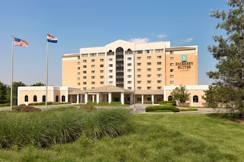 坎薩斯城國際機場大使館套房飯店 Embassy Suites Hotel Kansas City - International Airport