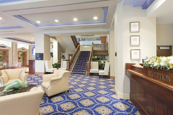 Lobby at The Cincinnatian Hotel Curio Collection by Hilton in Cincinnati