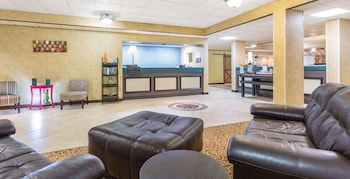 Rome Inn & Suites photo