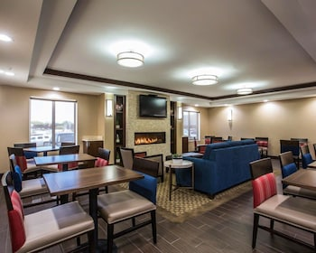 Manchester Vacations - Comfort Inn Airport - Property Image 1