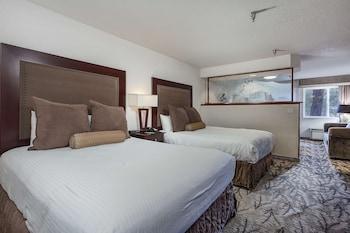 Deluxe Room, 2 Queen Beds, River View