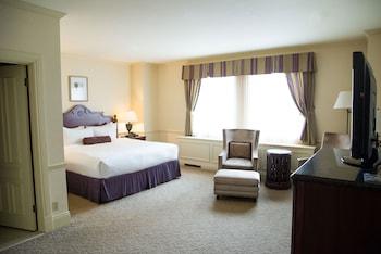 Suite, 1 King Bed (Van Horne Suite)