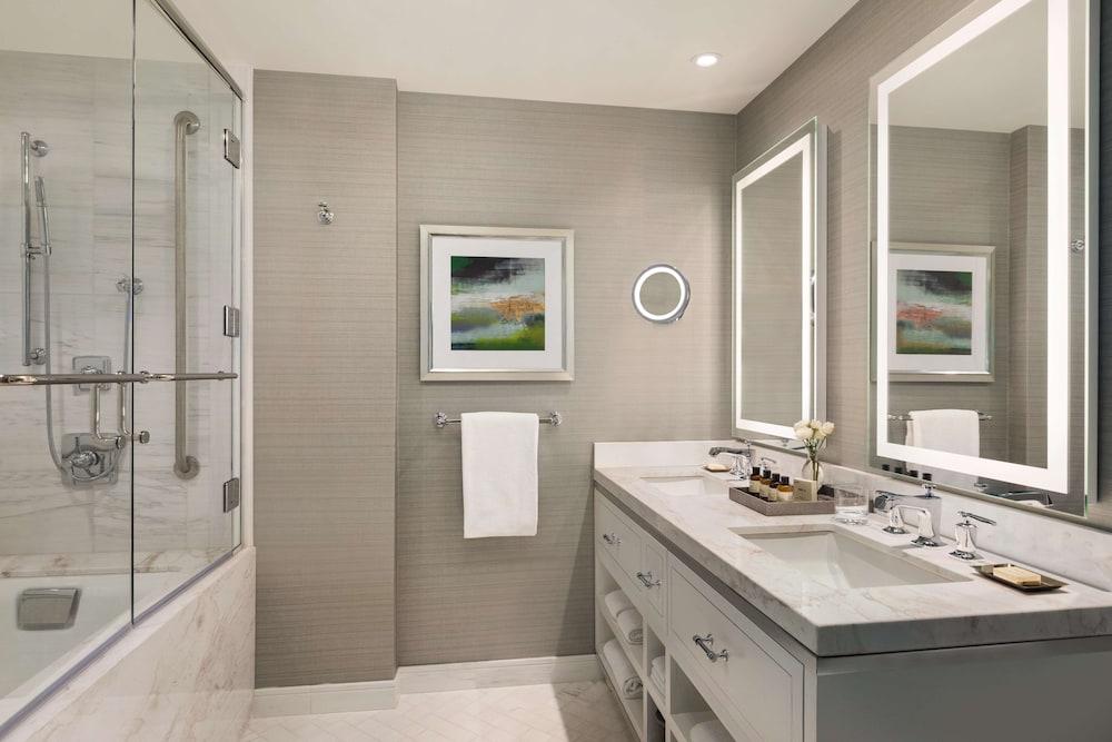 https://i.travelapi.com/hotels/1000000/20000/12600/12522/500dc11c_z.jpg