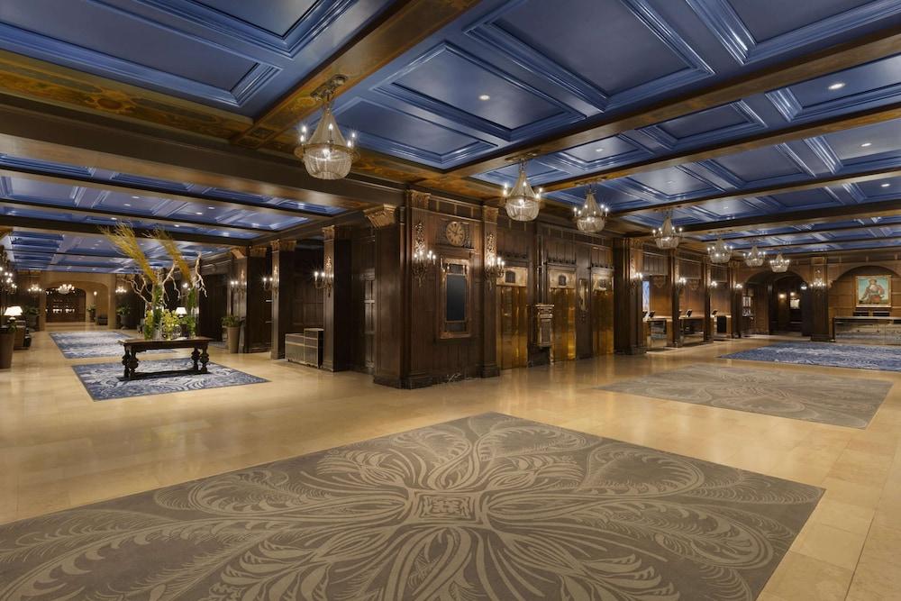 https://i.travelapi.com/hotels/1000000/20000/12600/12522/83591c0e_z.jpg