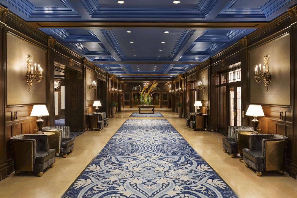 https://i.travelapi.com/hotels/1000000/20000/12600/12522/8d164b5f_z.jpg