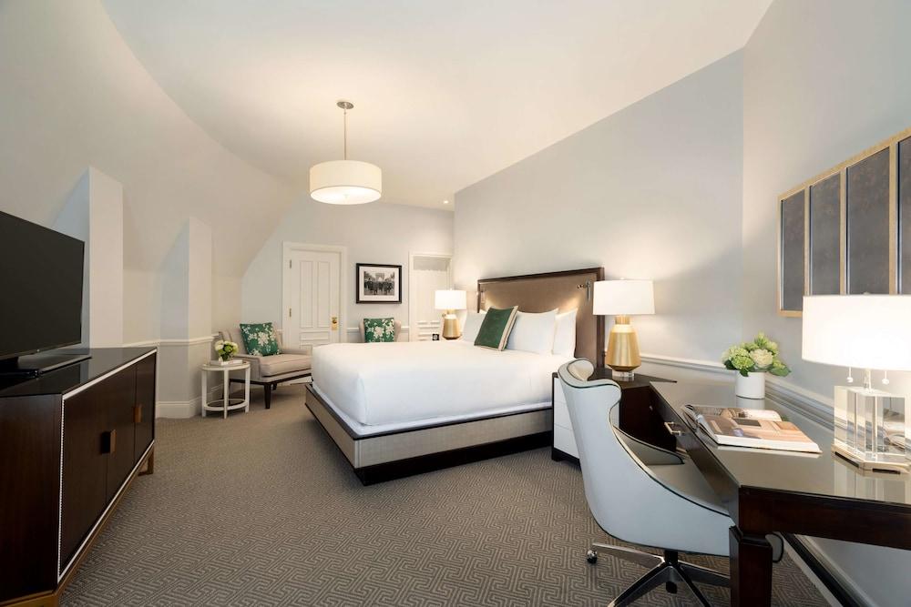 https://i.travelapi.com/hotels/1000000/20000/12600/12522/a8d7e7a5_z.jpg