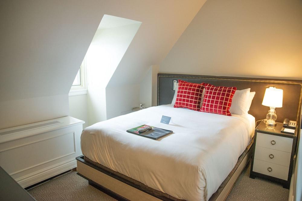 https://i.travelapi.com/hotels/1000000/20000/12600/12522/b6a1f9ce_z.jpg