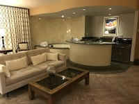Silver Screen Suite with Jetted Hot Spa Tub