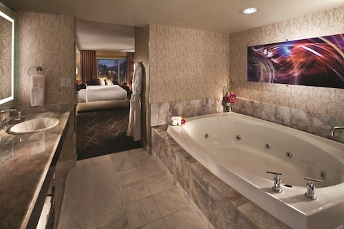 Mgm Grand Hotel And Casino Hotel In Las Vegas Best Rates