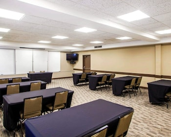 Peoria Vacations - Quality Inn Peoria - Property Image 1