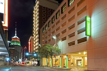 河岸步道假日飯店 Holiday Inn San Antonio - Riverwalk, an IHG Hotel