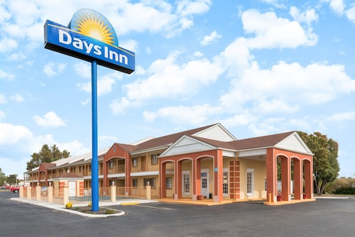 . Days Inn by Wyndham Ottawa