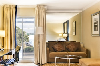 Executive Room, 1 Queen Bed, Business Lounge Access