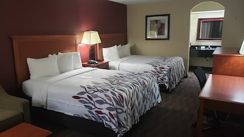 Deluxe Room, 2 Double Beds, Non Smoking, Poolside