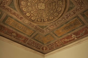 Suite, 1 King Bed (Fresco)