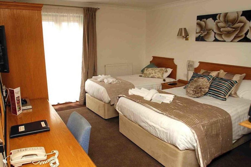 우포드 파크 우드빌리지 호텔, 골프 앤드 스파(Ufford Park Woodbridge Hotel, Golf & Spa) Hotel Thumbnail Image 17 - Guestroom