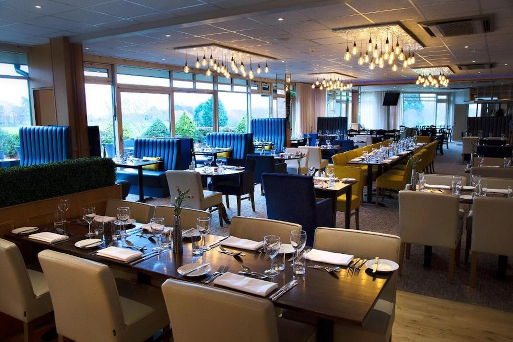우포드 파크 우드빌리지 호텔, 골프 앤드 스파(Ufford Park Woodbridge Hotel, Golf & Spa) Hotel Image 33 - Restaurant