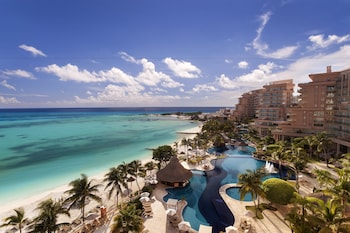 Book Fiesta Americana Grand Coral Beach Cancun Resort & Spa in Cancun.